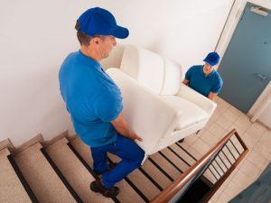 Moving Yourself vs. Hiring Professional Movers